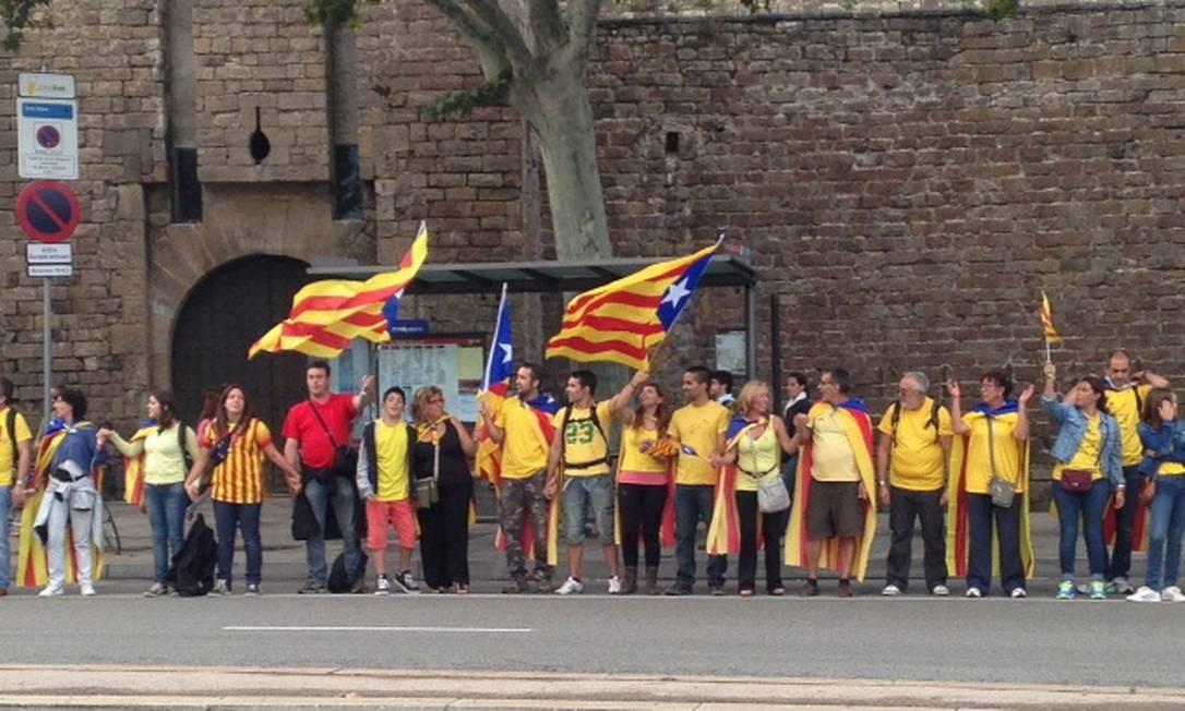 Pesquisas mostram que mais de 50% da população da região deseja a independência da Catalunha Foto: Agência O Globo / Renato de Alexandrino