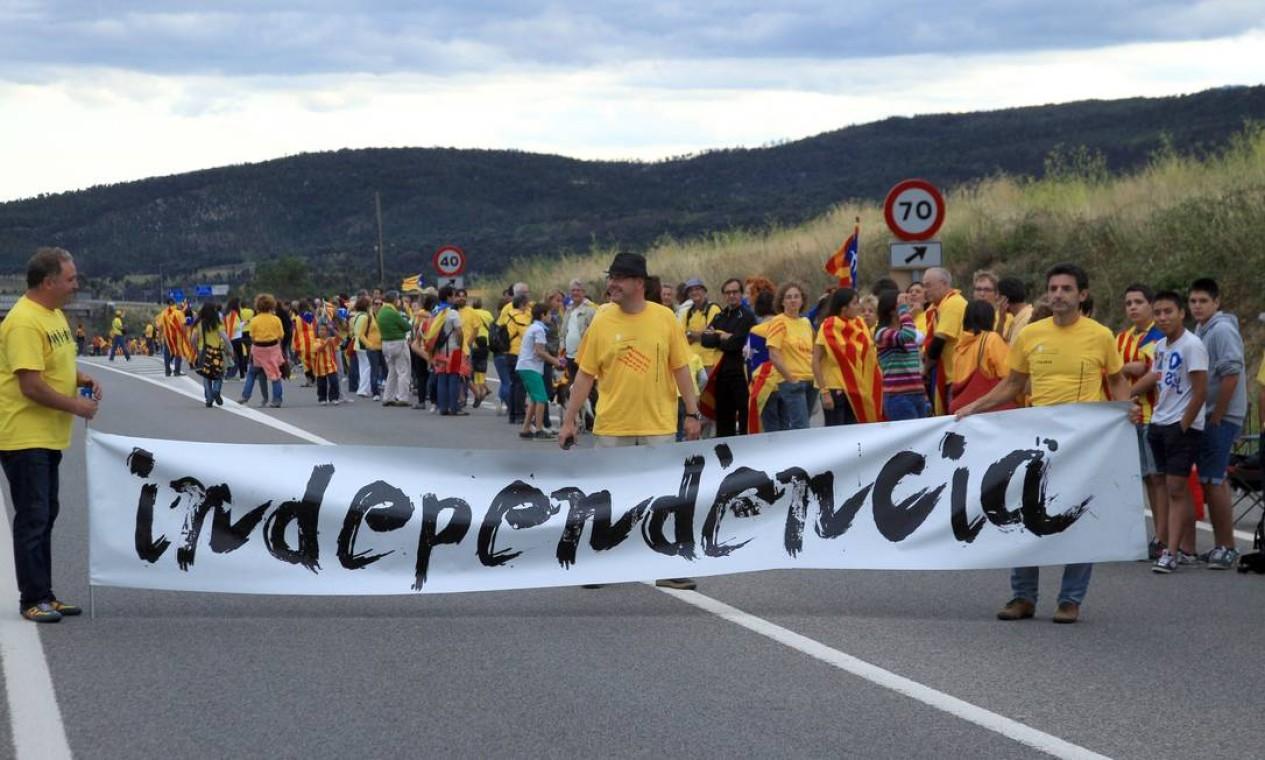 A presidente da Assembleia Nacional da Catalunha cobrou do governo central uma consulta popular no próximo ano Foto: RAYMOND ROIG / AFP