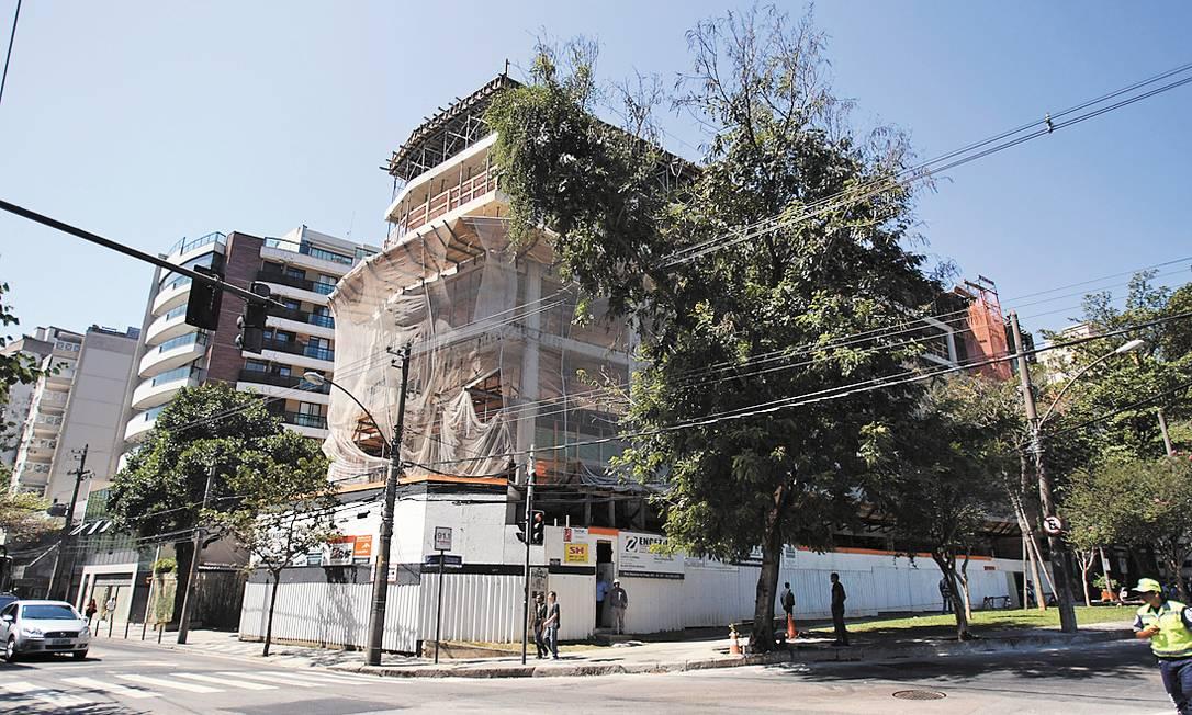Construção na Marquês de São Vicente foi embargada no início do mês Foto: Guilherme Leporace