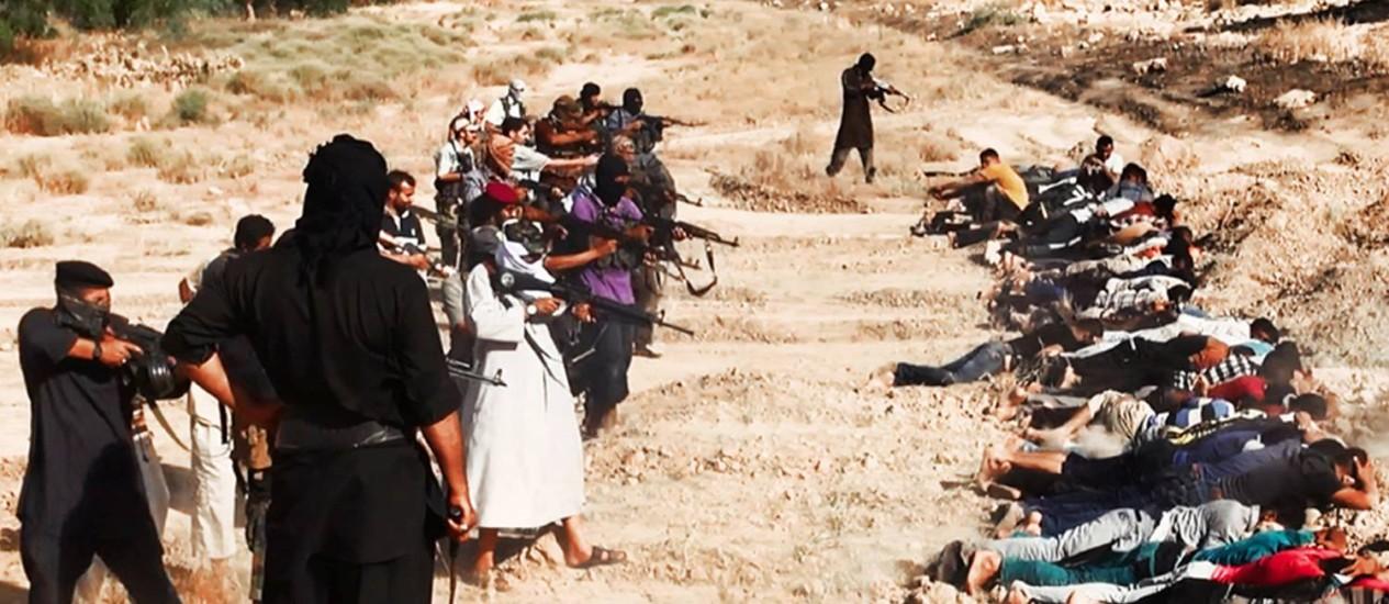 Uma das imagens divulgadas na internet pelos jihadistas e compiladas pela AP Foto: AP