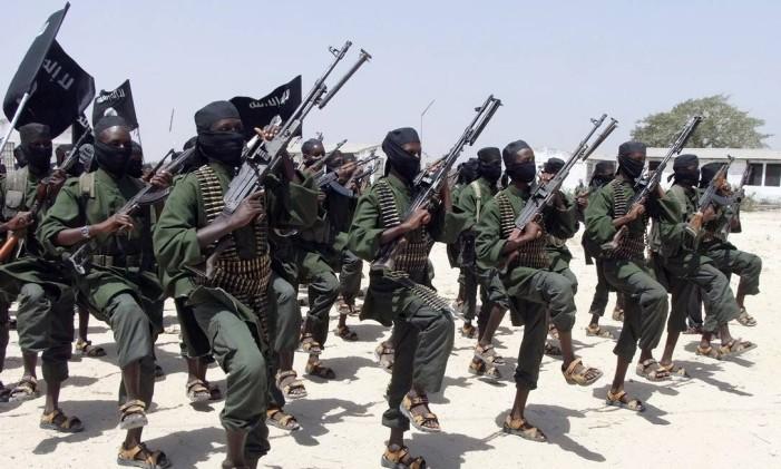 Soldados do Al-Shabaab em treinamento na Somália Foto: Farah Abdi Warsameh / AP