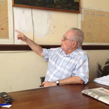 Raio-x carcerário. O ativista cubano Elizardo Sanchéz na sede da ONG, em Havana Foto: Marina Gonçalves / Marina Gonçalves/Agência O globo