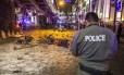Um ataque a bomba no centro de Bangcoc provocou caos e pânico na Tailândia. Depois do atentado, corpos das vítimas foram vistos nas ruas da capital do país. Ainda não se sabe ao certo o número de mortos, mas foram pelo menos 16