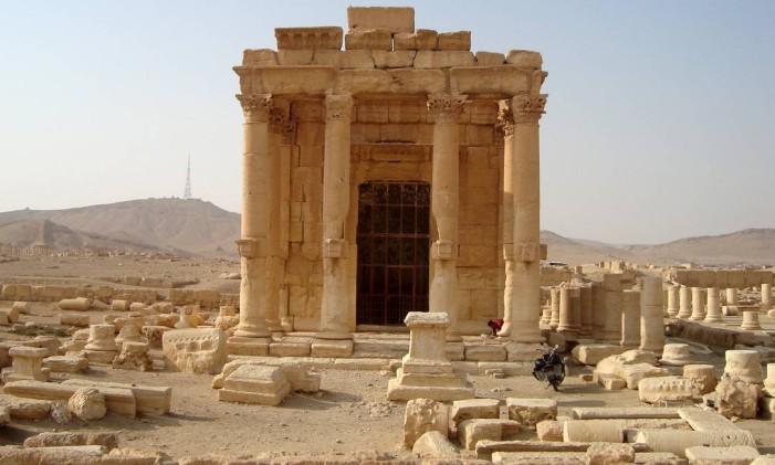 O histórico templo de Baal Shamin, destruído em 23 de agosto de 2015 pelo Estado Islâmico em Palmira, na Síria. Foto: STRINGER / REUTERS