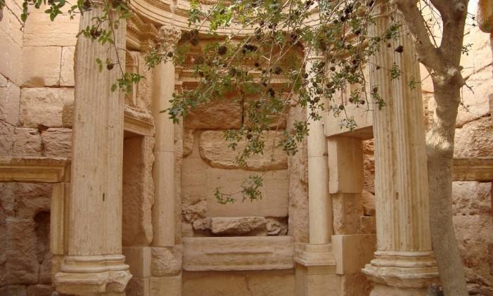 O interior do templo de Baal Shamin, um dos pontos históricos mais importantes da Síria, que foi destruído pelo Estado Islâmico. Foto: STRINGER / REUTERS