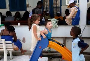 Refugiados Sírios no Rio. Mohammad Najjar, Hind Najjar com os filhos Khaled e Nancy Foto: Custódio Coimbra / Agência O Globo