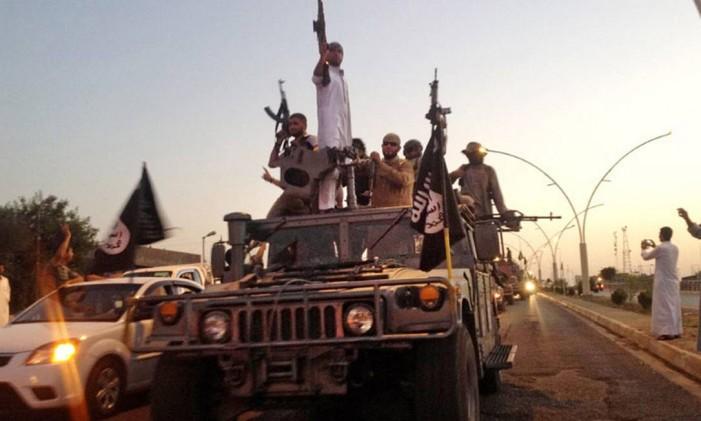 Grupo de militantes do Estado Islâmico, na Síria Foto: Reuters