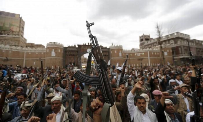 Sufocado na guerra do Oriente Médio, Iemen fica segregado em embates políticos Foto: Reuters