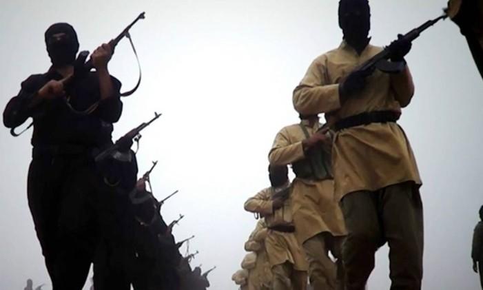 Militantes do Estado Islâmico Foto: AFP