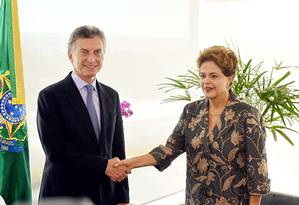 Dilma Rousseff e Mauricio Macri se reúnem em Brasília nesta sexta-feira Foto: EVARISTO SA / AFP