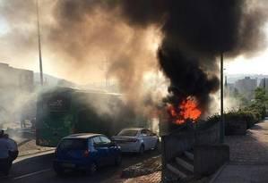Ônibus explodiu na região sudeste de Jerusalém Foto: Reprodução