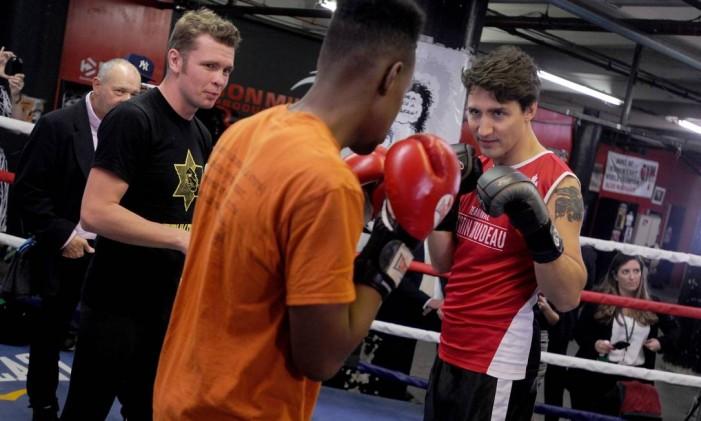 Trudeau treina boxe em Nova York, em 2016 Foto: Dennis Van Tine / Agência O Globo