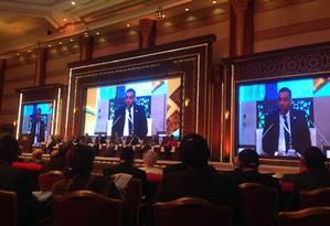 Presidente da Coalizão Nacional Síria, Anas al-Abdah faz discurso no Fórum Doha Foto: Carolina Jardim