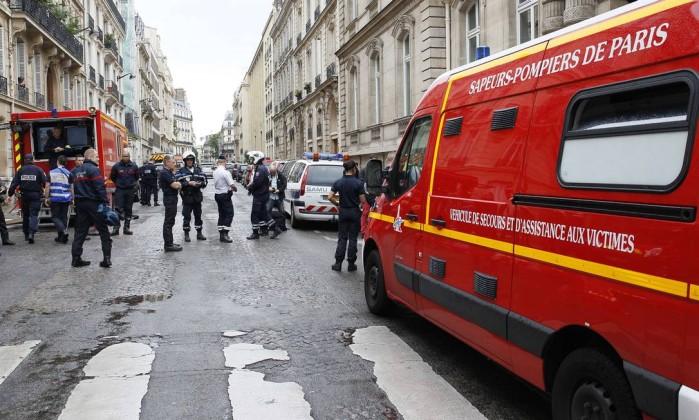 Onze pessoas são atingidas por um raio em Paris; seis gravemente feridas