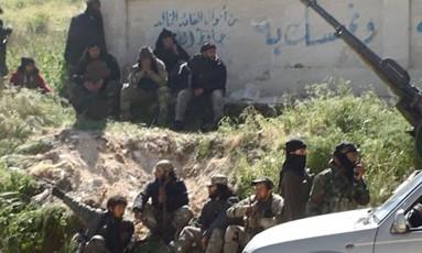 Al-Qaeda e o EI estão em ofensiva na Síria Foto: Uncredited / AP