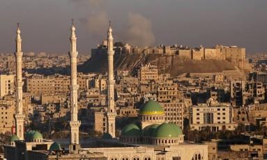 Forças sírias controlaram toda a área antiga de Aleppo Foto: YOUSSEF KARWASHAN / AFP