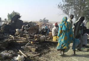Campo de refugiados em Rann, na Nigéria, após bombardeio da Força Aérea nacional, que mirava o grupo extremista Boko Haram Foto: MSF