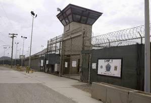 Entrada do campo 5 da prisão de Guantánamo Foto: Ben Fox / AP