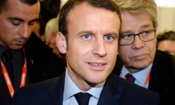 Macron, líder do Em Marcha!, visita o Salão dos Empreendedores Foto: ERIC PIERMONT / AFP
