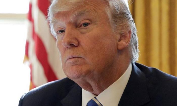 Donald Trump em reunião no Salão Oval. Ele teve sua ordem executiva revogada por uma Corte de Apelação. Foto: JOSHUA ROBERTS / REUTERS