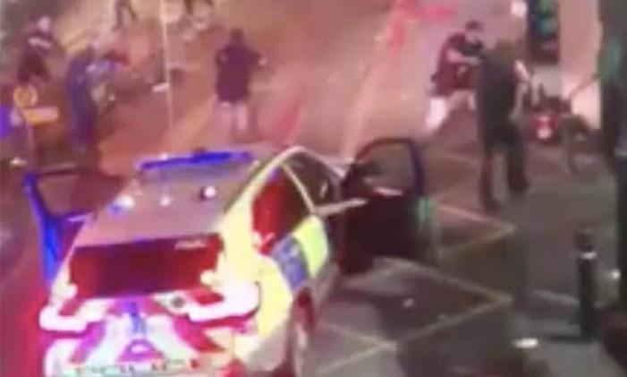 Vídeo mostra policiais em confronto com terroristas do ataque de Londres no Borough Market Foto: Reprodução