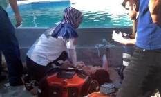 Médicos trabalharam no resgate das vítimas Foto: AP