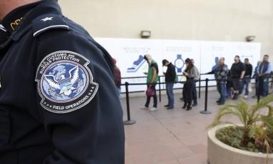 Serviço de imigração nos Estados Unidos Foto: Denis Poroy / AP
