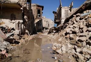 Destroços de casas na Cidade Antiga de Aleppo, na Síria Foto: OMAR SANADIKI / REUTERS
