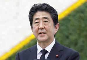 O primeiro-ministro do Japão, Shinzo Abe, discursa no Parque da Paz, em Nagasaki, durante cerimônia do 72º aniversário do ataque atômico que devastou a cidade Foto: Takuto Kaneko / AP