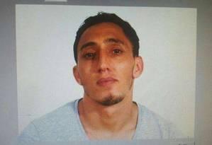 Imagem de Driss Oukabir, homem que teria alugado van usada em atropelamento em Barcelona Foto: Reprodução