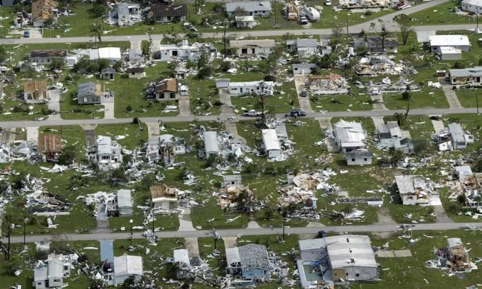 Devastação do furacão Charley, em agosto de 2004 Foto: Pierre Ducharme / Reuters