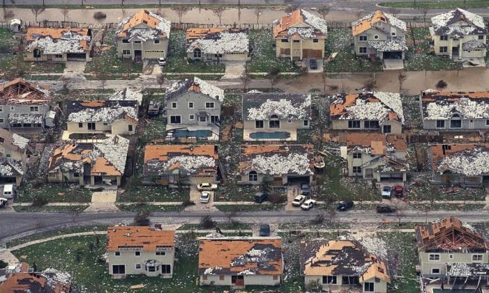Destruição do Andrew no sul de Miami Foto: Mark Foley / AP