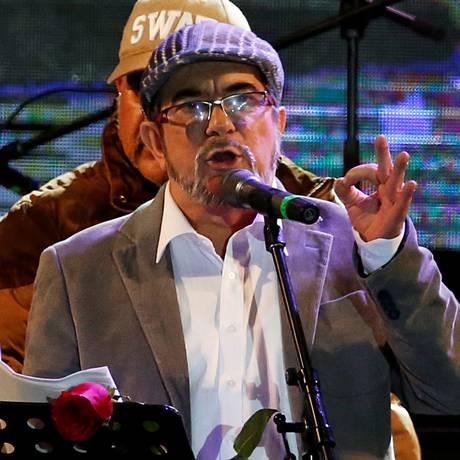 O lider das Farc, Rodrigo Londoño, conhecido como Timochenko Foto: HENRY ROMERO / REUTERS