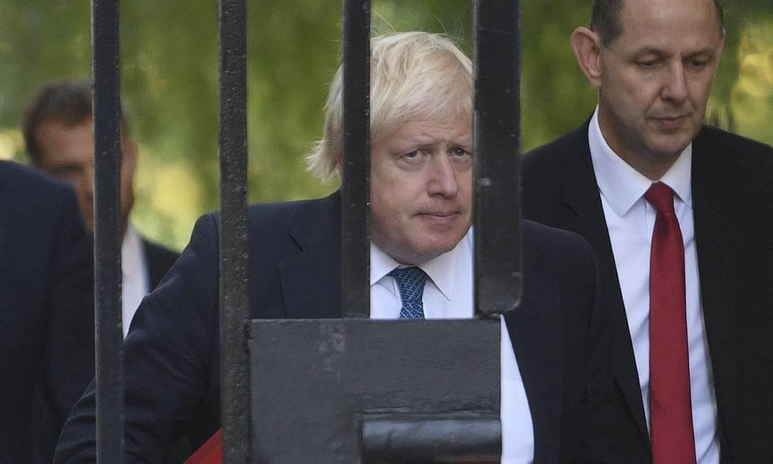 Ministro do Exterior do Reino Unido chega à reunião de emergência convocada pela premier Theresa May na sede do governo britânico em Londres Victoria Jones / AP