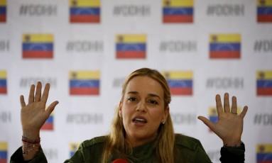 A ativista Lilian Tintori, mulher do dirigente opositor Leopoldo López, em prisão domiciliar na Venezuela Foto: ANDRES MARTINEZ CASARES / REUTERS