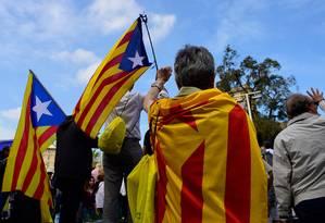 Catalães se reúnem em protesto a favor da independência em Barcelona Foto: PIERRE-PHILIPPE MARCOU / AFP