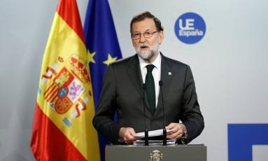 O presidente do governo da Espanha, Mariano Rajoy, anuncia que vai impor medidas de ordem na Catalunha Foto: FRANCOIS LENOIR / REUTERS