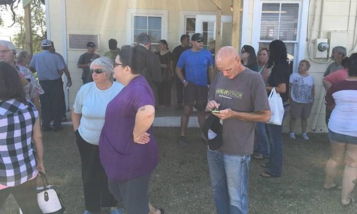 Texas/Ataque: Pelo menos 27 mortos em tiroteio numa igreja batista