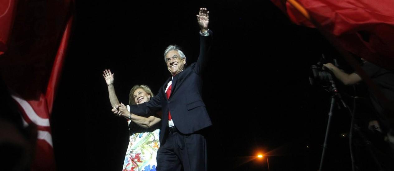 O presidente eleito do Chile, Sebastián Piñera e sua mulher, Cecilia Morel Foto: CLAUDIO REYES / AFP