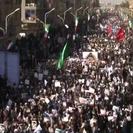 Imagem da Rede de Notícias da República Islâmica do Irã (IRINN) mostra grande manifestação pró-governo iraniano Foto: HO / AFP