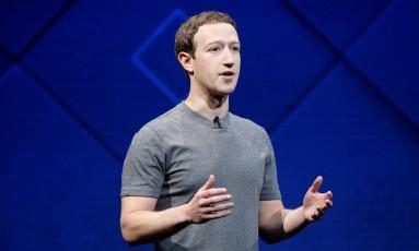O diretor-executivo e fundador do Facebook, Mark Zuckerberg Foto: STEPHEN LAM / REUTERS