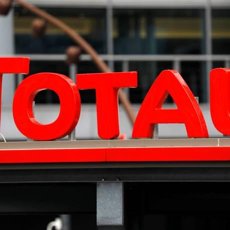 Logomarca da petroleira francesa Total Foto: CHARLES PLATIAU / REUTERS