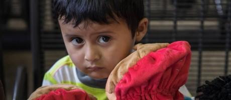Adan Galicia Lopez, 3 anos, separado de sua família por quatro meses Foto: Victor J. Blue/The New York Times