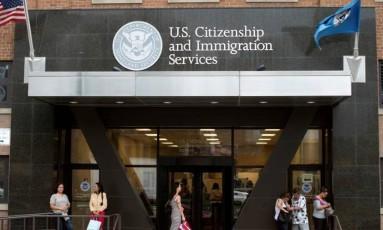 Sede dos Serviços de Cidadania e Imigração dos Estados Unidos, em Nova York Foto: Keith Bedford / Reuters