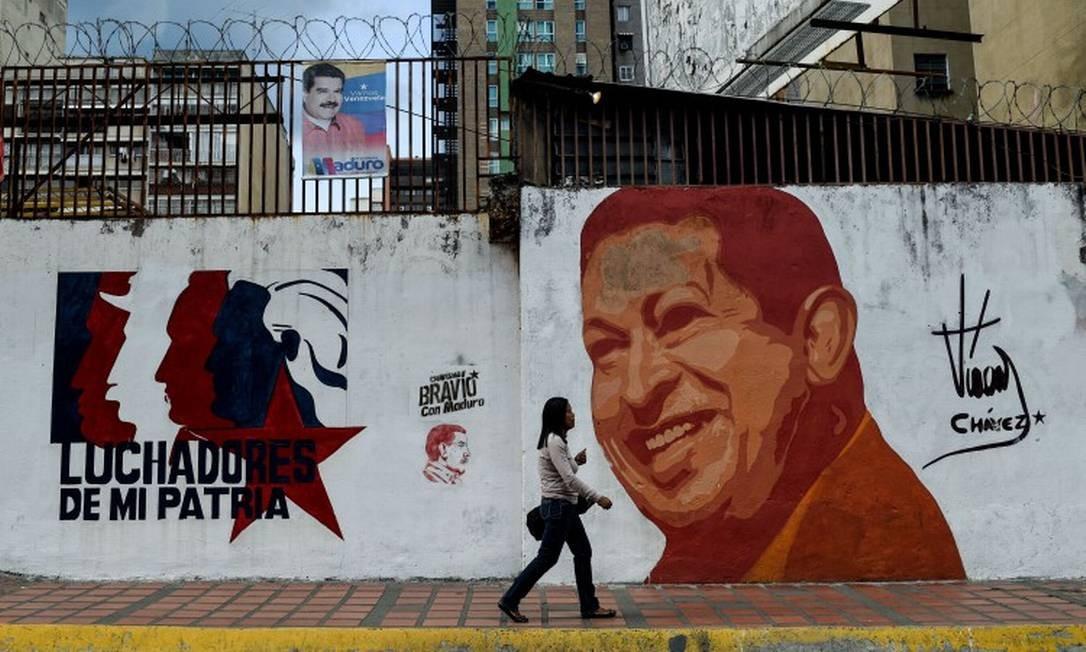 Para sociólogo alemão, modelo econômico dependente do petróleo, criado por Hugo Chávez, se esgotou há anos, mas Nicolás Maduro não foi capaz de reconhecer o problema Foto: FEDERICO PARRA / AFP