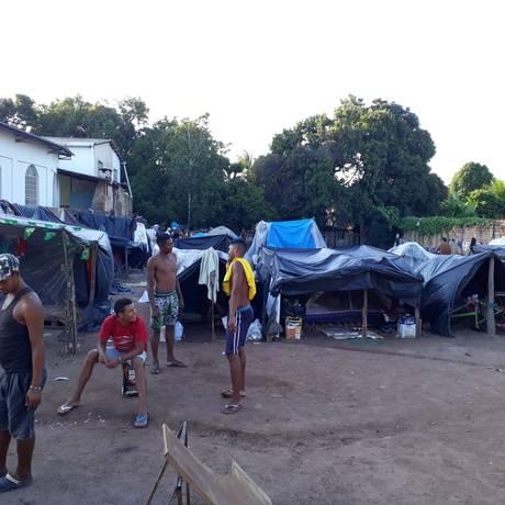 Acampamento de imigrantes no bairro Jardim Floresta, em Boa Vista, Roraima, onde um venezuelano e um brasileiro foram mortos Foto: Marcelo Marques / Marcelo Marques