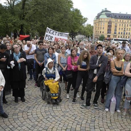 Manifestantes em protesto contyra nazismo e racismo em Estocolmo, na Suécia, em 1º de setembro Foto: JANERIK HENRIKSSON/AFP / AFP