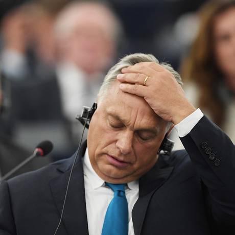 O primeiro-ministro húngaro, Viktor Orbán, em discurso no Parlamento europeu na véspera da votação em que a UE decidirá se vai ou não punir Budapeste por ataques a valores centrais europeus Foto: FREDERICK FLORIN / AFP