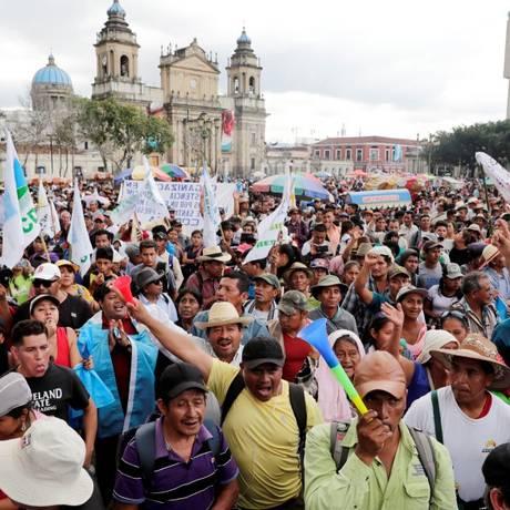 Milhares de pessoas participaram de protesto na Cidade da Guatemala Foto: Luis Echeverria / REUTERS