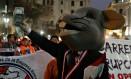 Manifestantes no centro de Lima protestam contra a corrupção no Peru Foto: GUADALUPE PARDO / REUTERS